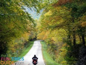 photographing-fall-motorcycle-rides